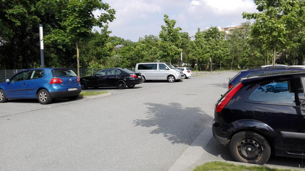 Unser Elterntaxi-Parkplatz hinter der Schule