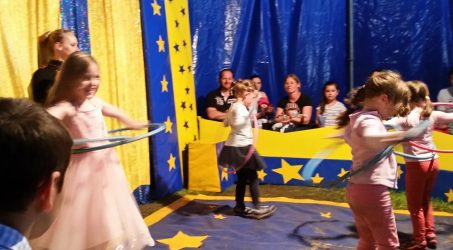Circus and planetarium in the holiday program